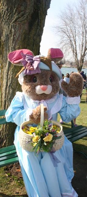 Easterbunnyweb